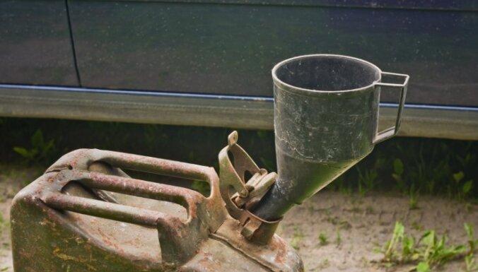 LTV: KNAB izbeidz 12 kriminālprocesus par Saeimas deputātu degvielas kompensācijām