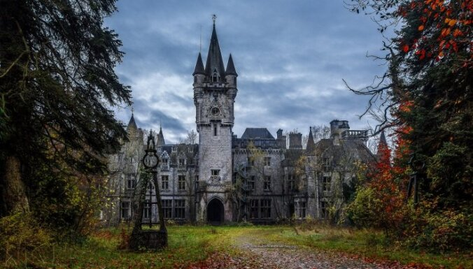 Spoku apsēstas pilis, radioaktīvi augi un milzu kapi - 13 pasaules baisākās vietas