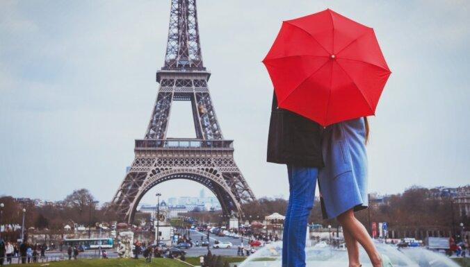 В центре Парижа хотят запретить проезд туристических автобусов