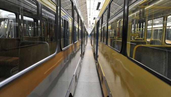 Nīderlandē saskrējušies divi tramvaji