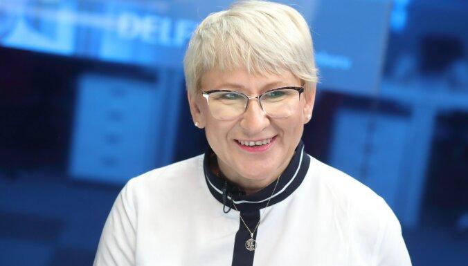 'Delfi TV ar Jāni Domburu' atbild Ieva Jaunzeme. Pilns raidījuma teksts