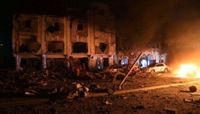 Sprādzienā Somālijas galvaspilsētā gājuši bojā vismaz 25 cilvēki