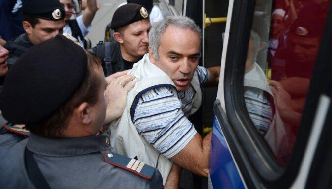 Екатериничева: подписи в поддержку Каспарова соберем за неделю