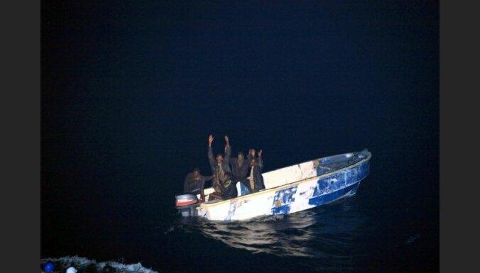 Турецкие моряки захватили 12 сомалийских пиратов