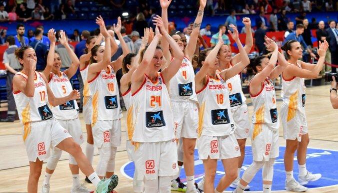 Spānijas basketbolistes nosargā Eiropas čempioņu troni