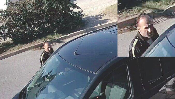 Кража с автозаправки в Пурвицемсе: полиция просит опознать подозреваемого