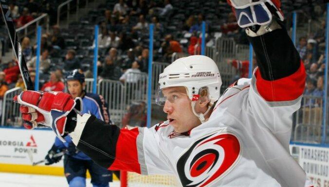 Лучшие голы, сэйвы и хиты недели в НХЛ
