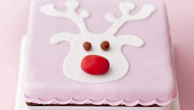 Foto pamācība: Jautrā ziemeļbrieža kūka svētku galdam