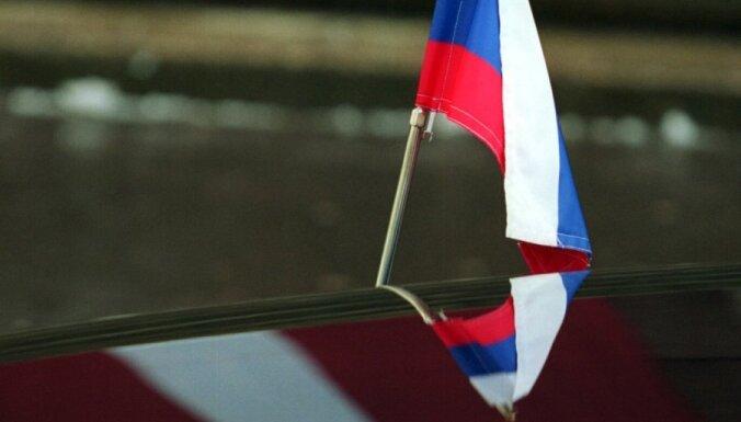 Izraēlas laikraksts: pasīvie latvieši soli pa solim zaudē krieviem savu valsti