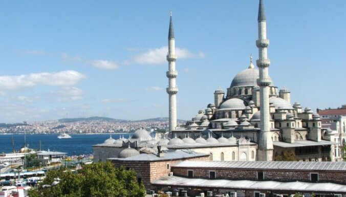 Мусульман оскорбило изображение мечети на фоне казино Вильнюса