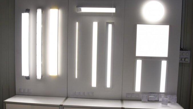 Foto: Iecavas 'Vizulo' – ražotne, kur top gaismekļi Brīvības piemineklim un Kurševelas kūrortam