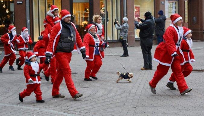 Ziemassvētku siltuma rekords reģistrēts pērn, bet sniegotākie svētki piedzīvoti 2010. gadā