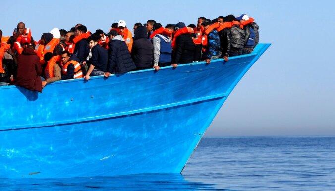 Брюссель предлагает финансировать центры приема мигрантов из бюджета ЕС