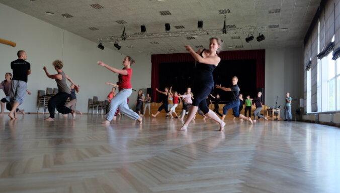 Tuvojas ikgadējais laikmetīgās dejas festivāls 'Vides Deja'