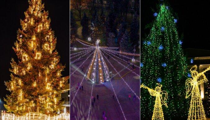 Bez svētku pasākumiem, toties spožā rotā. Latvijas pilsētu krāšņās Ziemassvētku egles