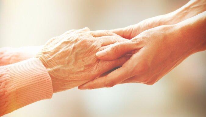 """Минздрав готов пересмотреть плату за посещение семейного врача для """"молодых"""" пенсионеров"""
