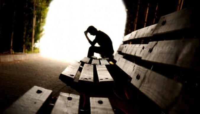Каждый десятый житель Латвии страдает от депрессии (ТЕСТ)