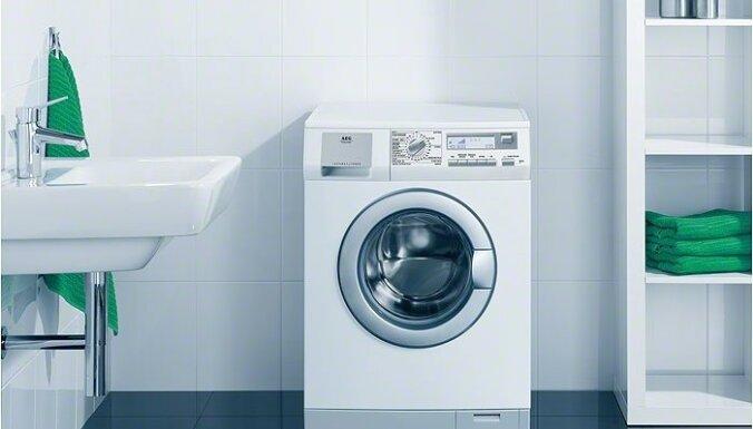 Aizdegoties veļas mašīnai, cietis jauns vīrietis