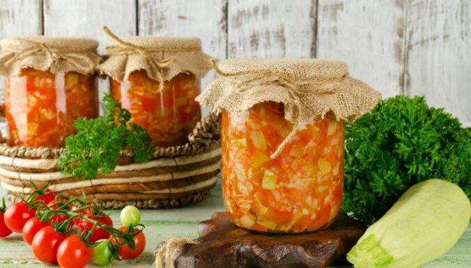Kabaču salāti ar rīsiem ziemas krājumiem