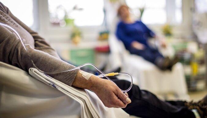 Saeimas komisijas vērtēs kolektīvo iesniegumu par lielāku finansējumu vēža ārstēšanai