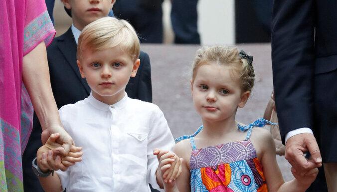 Foto: Monako karaliskie dvīņi brangi paaugušies