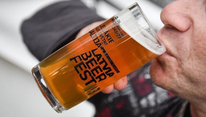 Aizvadīts 'Latviabeerfest'; pārdotākais alus – beļģu 'Leffe', mīlētākais – pašmāju 'Labietis'