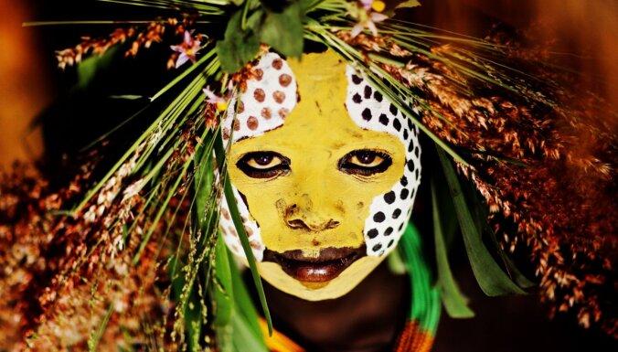 ФОТО. Лучше всяких селфи: Портреты африканского племени сурма