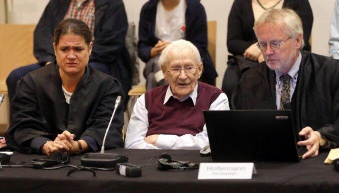Vācijas tiesa 'Aušvicas grāmatvedim' piespriež četru gadu cietumsodu