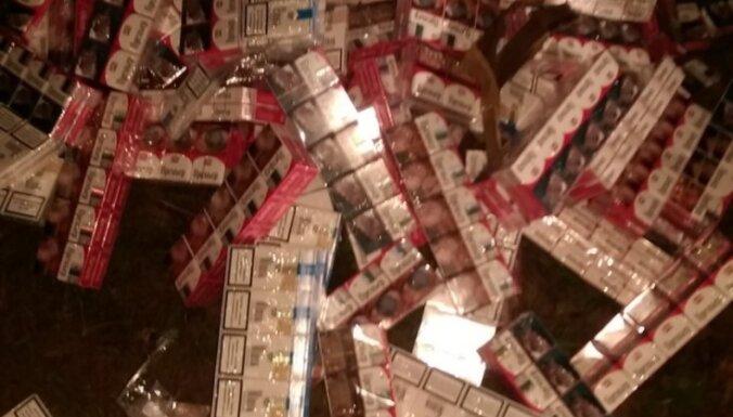 Контрабандисты переплавляли по Даугаве тюки с сигаретами