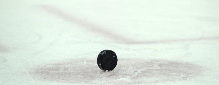 Vārtsargs Kivlenieks neglābj komandu no zaudējuma AHL spēlē