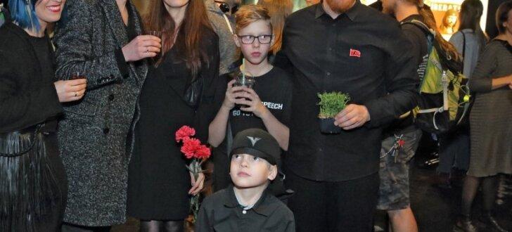 Latvijas kinoļaudis nosvin filmas 'Atbrīvošanas diena' pirmizrādi