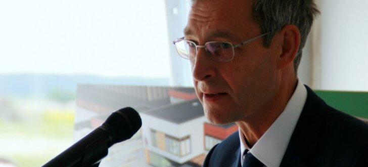 Latvijas pilsoņiem Lielbritānijā uzreiz nekādas izmaiņas nav gaidāmas, apliecina vēstnieks