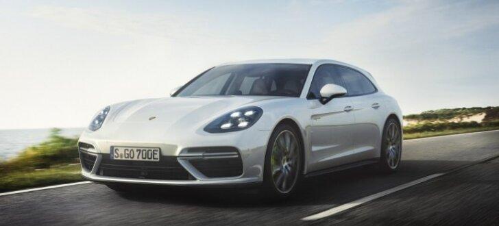 'Porsche Panamera' universālis ar 680 ZS un trīs litru patēriņu