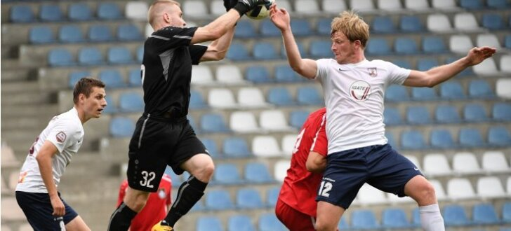 'Jelgavas' futbolisti Latvijas kausa aizstāvēšanu sāk ar izmocītu uzvaru pār titulēto 'Skonto'