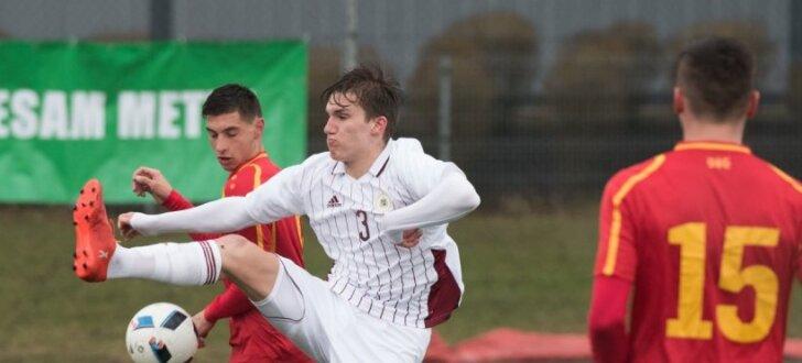 Foto: Spilgtākie mirkļi no Latvijas U-19 futbolistu spēles pret Maķedoniju
