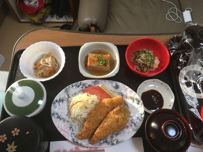 Женщина показала 12 ФОТО еды из роддома в Японии. Теперь там хотят рожать даже мужчины