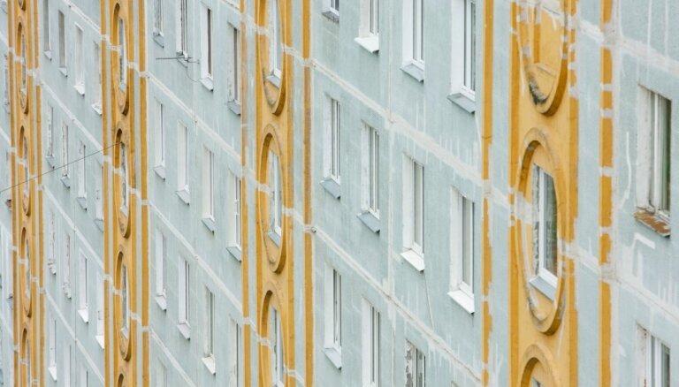 Oktobrī apstājusies sērijveida dzīvokļu cenu lejupslīde