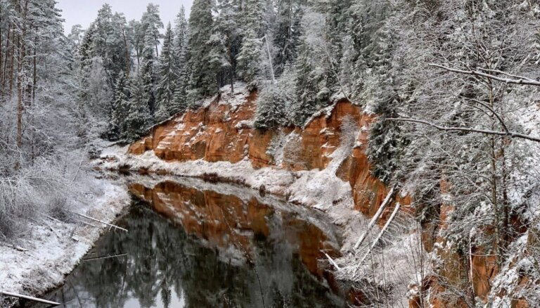 Восемь прекрасных утесов в Латвии, на которые стоит посмотреть и зимой