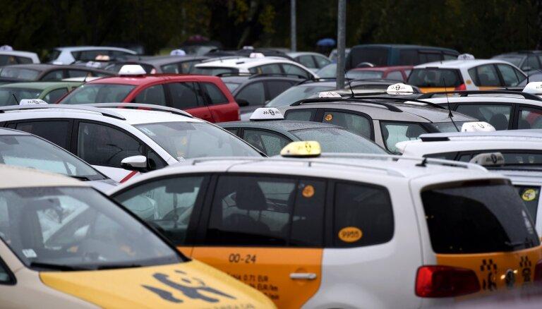 Jaunzeme: VID pastiprināti uzrauga taksistus, apsargus un celtniekus