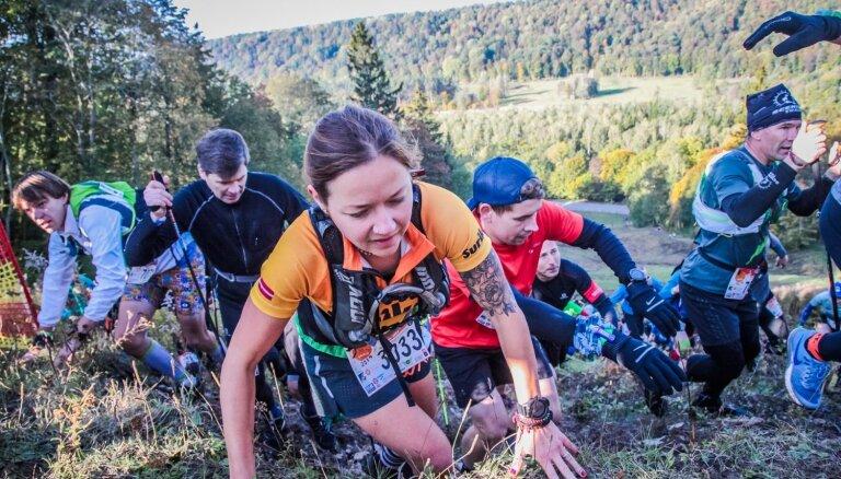 Foto: Siguldā noskaidroti Latvijas čempioni taku skriešanā