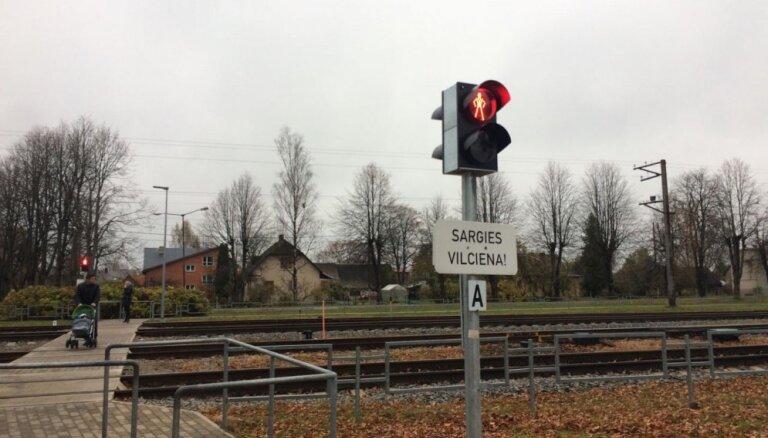Raidījums: EK spiediena dēļ 1,3 miljardu eiro vērtajā dzelzceļa elektrifikācijā izvēlas Rīgu, nevis Ventspili