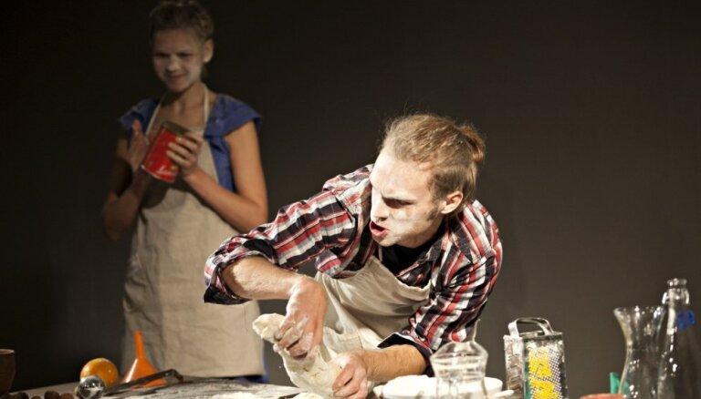 Bērnu un jauniešu teātris 'Šmulītis' janvārī skatītājiem sarūpējis divas jaunas izrādes
