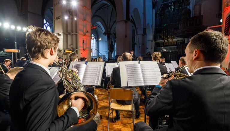Orķestris 'Rīga' ar programmu 'Bahs, Dvoržāks, Debisi' uzstāsies Rīgas Domā