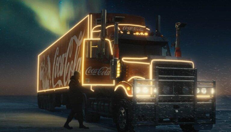 Emocionāli un aizraujoši: kā tapa jaunais 'Coca-Cola' Ziemassvētku stāsts