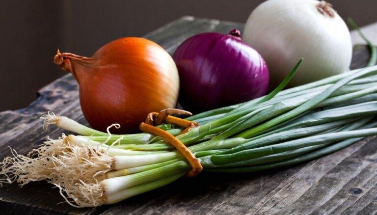 Septiņi veidi, kā izmantot sīpolus veselības uzlabosanai