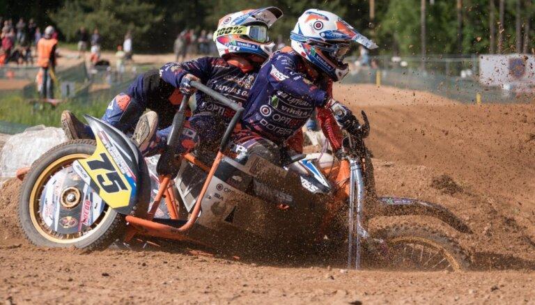 J.Daiders/Stupelis ieņem piekto vietu PČ posmā motokrosā ar blakusvāģiem