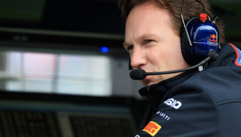 'Red Bull' vadītājs Horners uzjautrinās par 'Renault' sinhrono izstāšanos Bahreinā