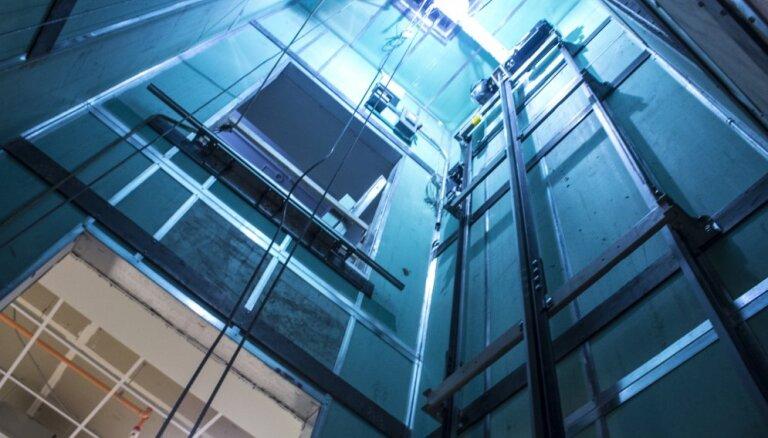 Исследование: почти половина лифтов в Латвии опасна для жизни
