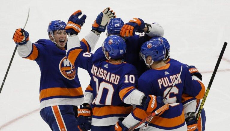 'Islanders' un 'Capitals' izcīna vismaz punktu jau 13. spēlē pēc kārtas