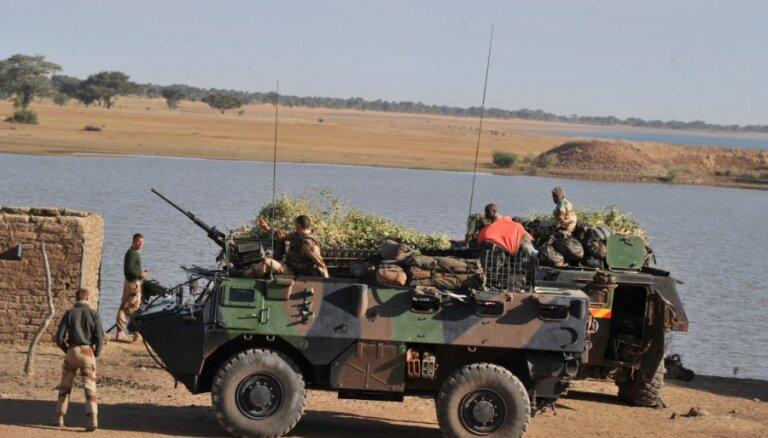Россия предложила Франции помочь с переброской войск в Мали
